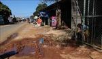 Người dân Kon Thụp lao đao vì tỉnh lộ không có hệ thống thoát nước