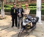 Cảnh sát giao thông Sơn La chặn bắt tên trộm điện thoại di động