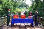 Đắk Nông: Tặng quà lực lượng vũ trang và Việt kiều tại tỉnh Mondulkiri (Campuchia)