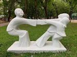 Trả nguyên trạng cho những bức tượng bị sơn màu sặc sỡ tại Công viên Thống Nhất