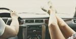 Trả giá đắt với thói quen gác chân lên táp-lô xe hơi khi đang lái xe