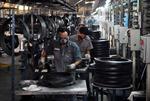 Việt Nam có thể duy trì xuất siêu 2 - 3 tỷ USD trong năm nay