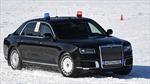 Xem xe chuyên dụng của Tổng thống Nga 'khoe tài' trên đường tuyết trắng