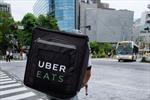 Nhật Bản: Công ty giao đồ ăn Uber Eats bị cáo buộc vi phạm luật nhập cư