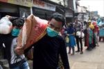 Cuộc chạy đua kiềm chế COVID-19 tại khu ổ chuột Ấn Độ