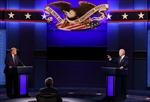 Micro sẽ tắt khi đối phương phát biểu trong tranh luận cuối của hai ứng viên Tổng thống Mỹ