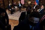 Phóng viên Nga-Mỹ xô đẩy nhau, làm loạn Hội nghị thượng đỉnh Putin-Biden