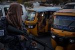 Lo ngại về an ninh Afghanistan khi IS đánh bom nhằm vào Taliban