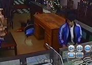 Khám xét khẩn cấp nơi ở của kẻ giết chủ tiệm vàng Vững Bắc