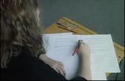 Ngày càng nhiều sinh viên Anh gian lận thi cử