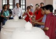 Tôn vinh các nghệ nhân, thợ giỏi làng gốm Bát Tràng