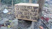 Phản cảm kiểu lập hòm công đức trên núi Thần Đinh