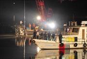 Bão lớn và chìm phà tại Trung Quốc