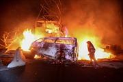 Nổ xe bồn khổng lồ, 20 người chết
