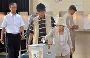 """""""Abenomics"""" vượt qua phép thử đầu tiên"""