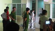 Tạm đình chỉ phó trưởng khoa bệnh viện bị dân bức xúc đập phá