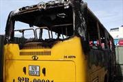 Xe buýt cháy rụi trong bến xe Đà Nẵng