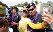 Ngày biểu tình 'ngọt ngào' ở Thái Lan