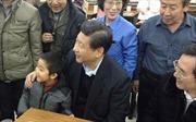 Cậu bé chụp ảnh cùng ông Tập Cận Bình thành 'sao'