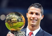 Cristiano Ronaldo giành 'Quả bóng Vàng FIFA 2013'