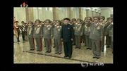 Ông Kim Jong-un trang nghiêm kỷ niệm sinh nhật cha