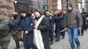 Cảnh sát Ukraine lũ lượt bị bắt làm con tin