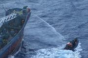 Philippines tố Trung Quốc dùng vòi rồng đuổi ngư dân