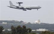 NATO sử dụng máy bay để theo dõi khủng hoảng tại Ukraine