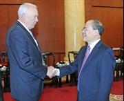 Chủ tịch Quốc hội Nguyễn Sinh Hùng tiếp đoàn Hạ nghị sĩ Mỹ