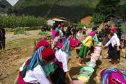 Tăng cường đội ngũ cán bộ dân tộc Mông