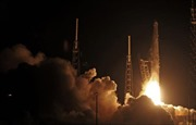 Tàu vũ trụ tư nhân Dragon kết nối thành công với ISS