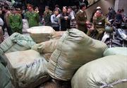 Thu giữ 3,5 tấn vải tại Ninh Hiệp, Hà Nội