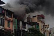 Cháy lớn ở dốc Thọ Lão, Hà Nội vì đốt vàng mã