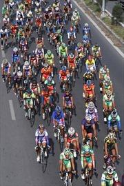Đua xe đạp Xuyên Việt 2014: Trần Văn Quyền cán đích đầu tiên chặng 3