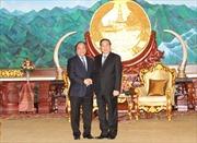 Phó Thủ tướng Nguyễn Xuân Phúc hội kiến lãnh đạo Lào
