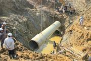 Khắc phục sự cố vỡ đường ống dẫn nước sông Đà