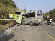 Xe khách đâm trực diện xe tải, 9 người chết
