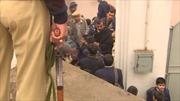 Sau thảm sát trường học, giáo viên Pakistan cầm súng đến lớp