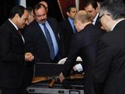Ông Putin tặng AK-47 cho Tổng thống Ai Cập
