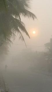 Đông Bắc Bộ vẫn mưa phùn, Đông Nam Bộ có nơi nắng nóng