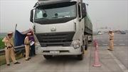 Cao tốc Nội Bài - Lào Cai lo xe quá tải phá đường
