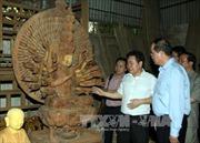 Đồng chí Nguyễn Thiện Nhân khảo sát làng mỹ nghệ Sơn Đồng