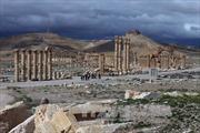 Syria không kích IS tại Palmyra