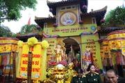 Cung rước xá lợi Phật chào mừng Phật đản 2015