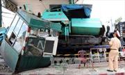 Bình Dương: Xe tải gây tai nạn tại trạm thu phí