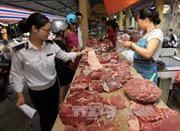 Giá thịt lợn liên tục giảm sau khi phát hiện có chất cấm