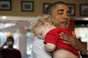 Những hình ảnh ấm áp của Tổng thống Obama bên trẻ nhỏ