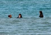 Phụ nữ đạo Hồi đòi bãi biển riêng ở Morocco