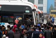 Giá xăng giảm mạnh, hành khách vẫn chịu thiệt