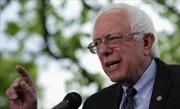 Thượng nghị sĩ Bernie Sanders dẫn trước bà Hillary Clinton